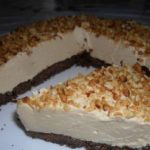 Торт с арахисовым кремом-муссом без выпечки