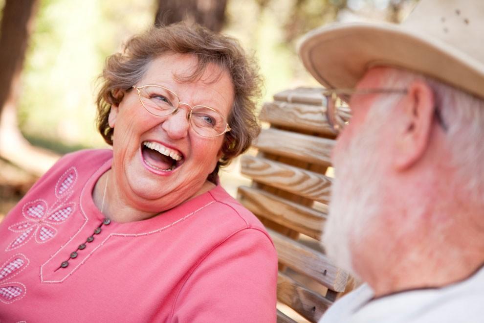 Преимущества психического здоровья от смеха