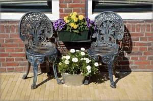 Алюминиевые литые стулья