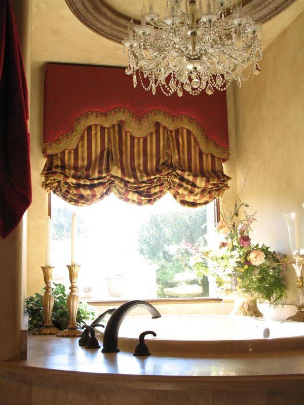 Оформление окна в стиле барокко