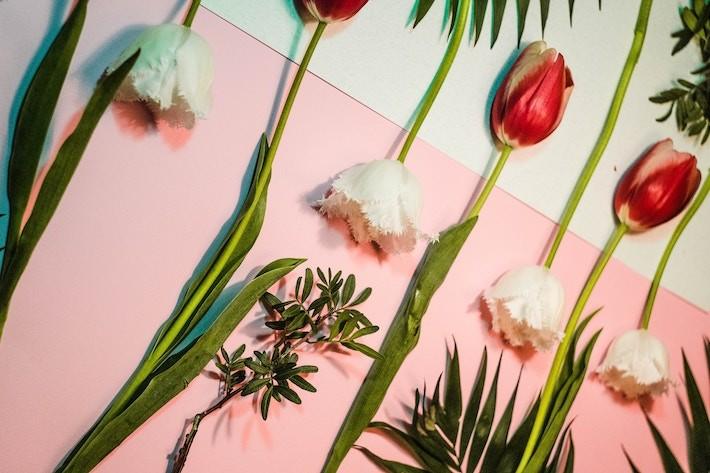украшение из цветов в интерьере